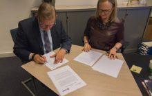 Ondertekening convenant Viaa UvH